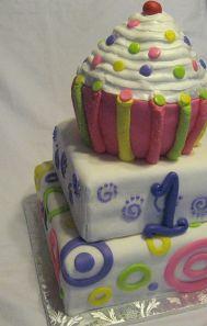 3 tier cupcake cake