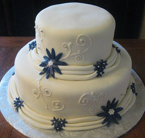 Blue Heart Wedding Cakes White Wedding Cake With Blue