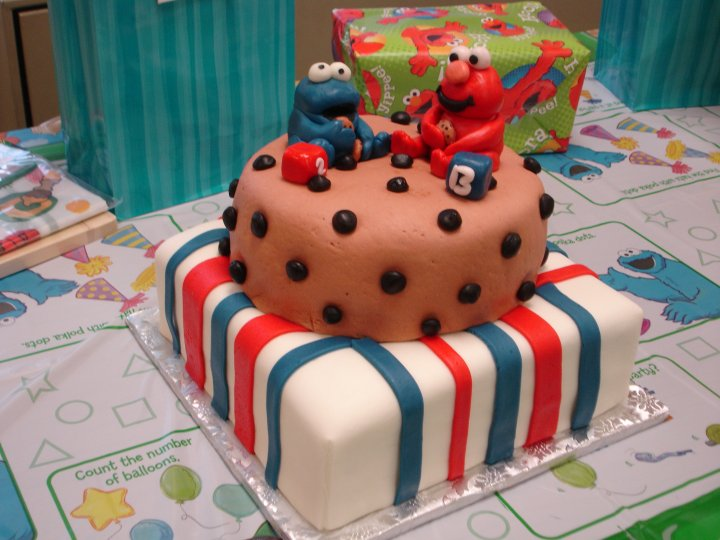 Elmo and Cookie Monster Cookie Birthday Cake Bear Heart Baking